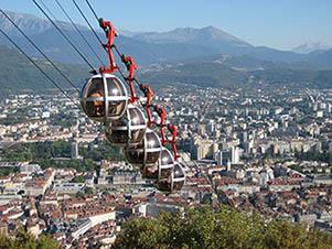 Vue de Grenoble et des bulles depuis la Bastille